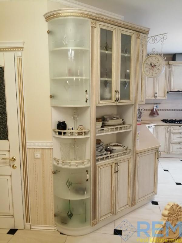 продажа трехкомнатной квартиры номер A-115302 в Приморском районе, фото номер 6